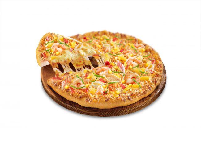 Pizza nhân hải sản chín vàng rộm