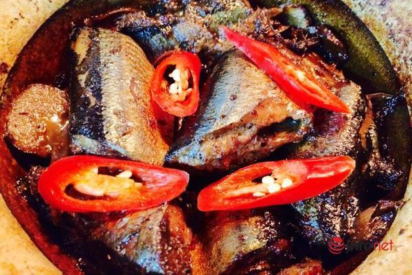 Cá nục ướp riềng kho