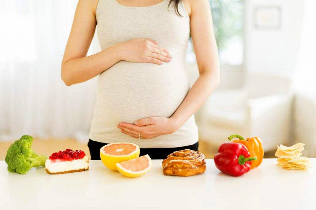 Chế độ dinh dưỡng trong 3 tháng đầu