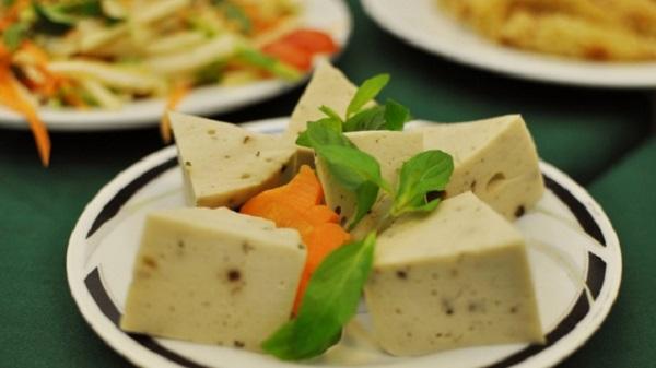 Cách làm giò lụa chay từ đậu xanh