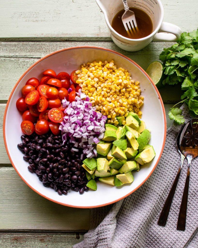 Các vị củ quả có thể mix làm salad cà chua