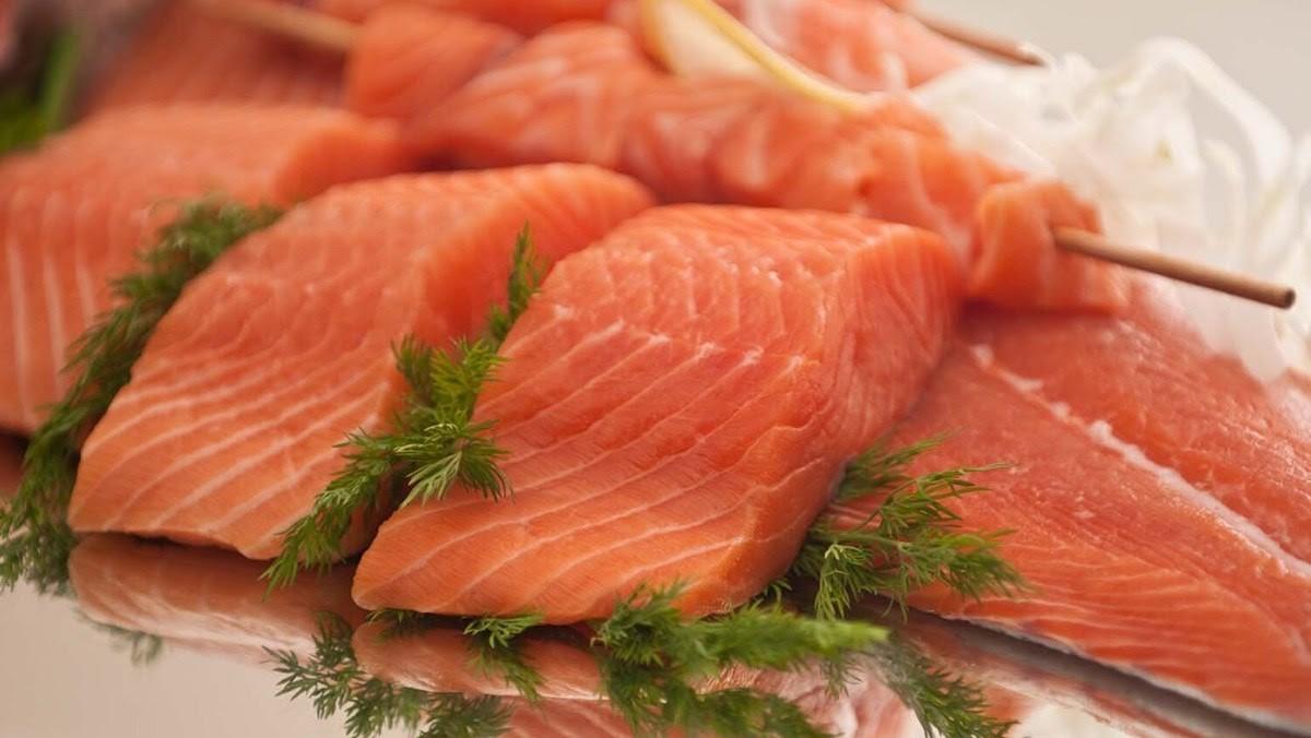 ăn cá hồi có tốt không