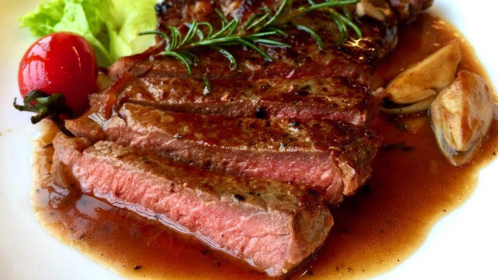 Bít tết bò là món thơm ngon, bổ dưỡng