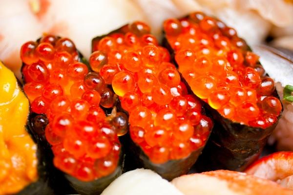 Một số lưu ý khi sử dụng trứng cá hồi