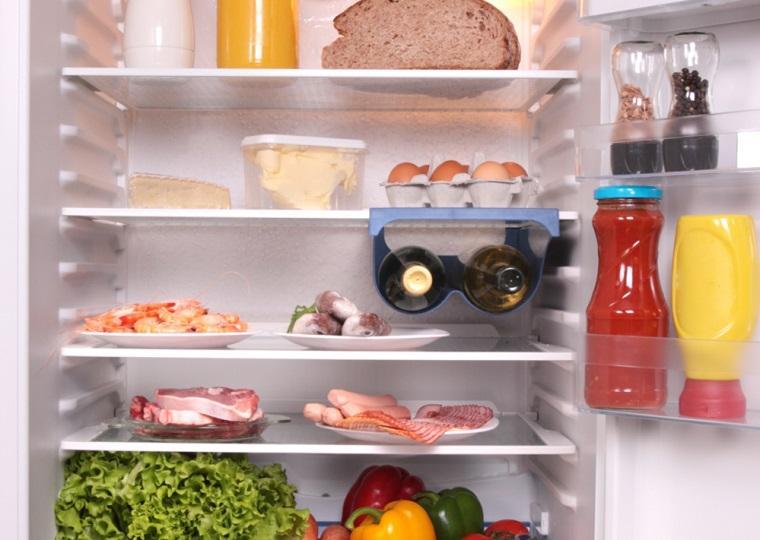 Rã đông thực phẩm bằng cách để rã đông từ từ trong tủ lạnh ngăn mát