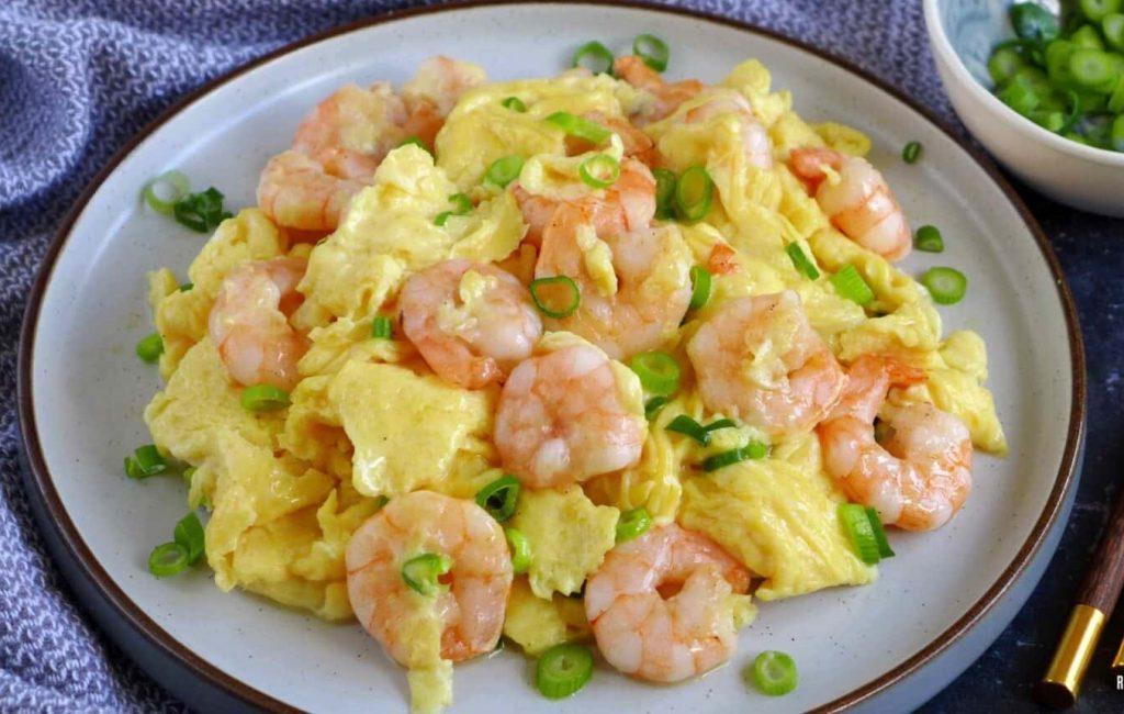 Tôm xào trứng cho bữa ăn đơn giản, bổ dưỡng