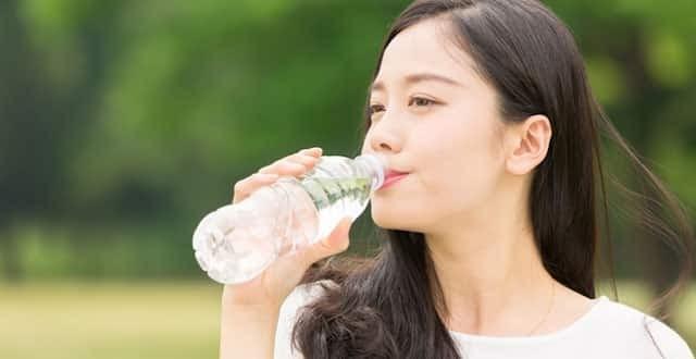 Uống nước mỗi ngày giúp giảm cân