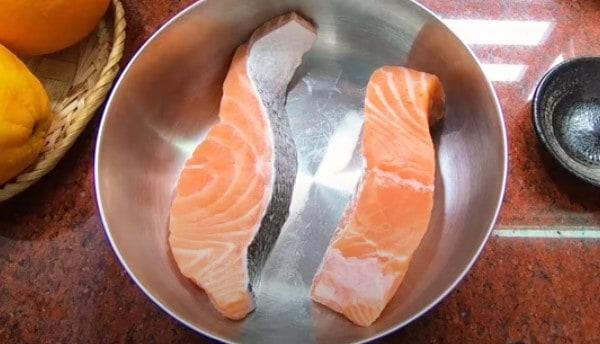 Sơ chế cá hồi