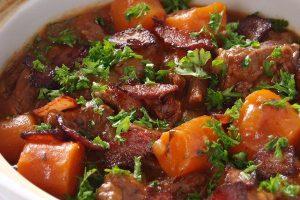 Hướng dẫn cách làm thịt bò hầm bí đỏ ngay tại nhà